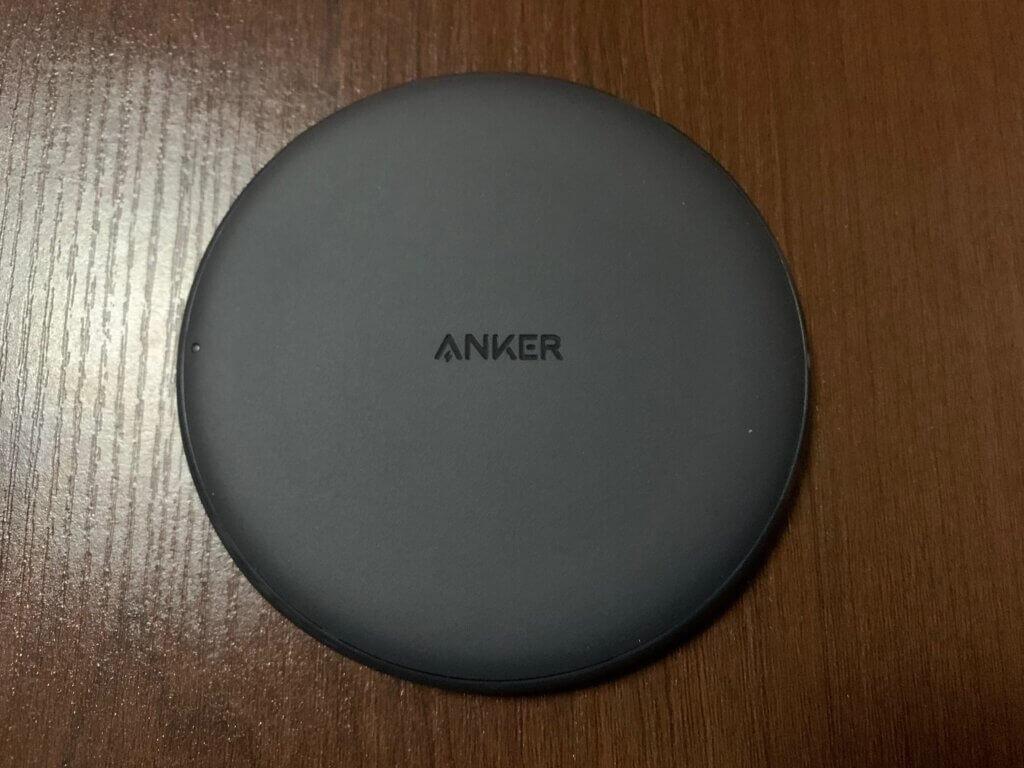 Anker PowerWave 10 Pad 本体表面