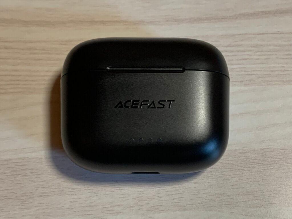ACEFAST T1 ケース表面