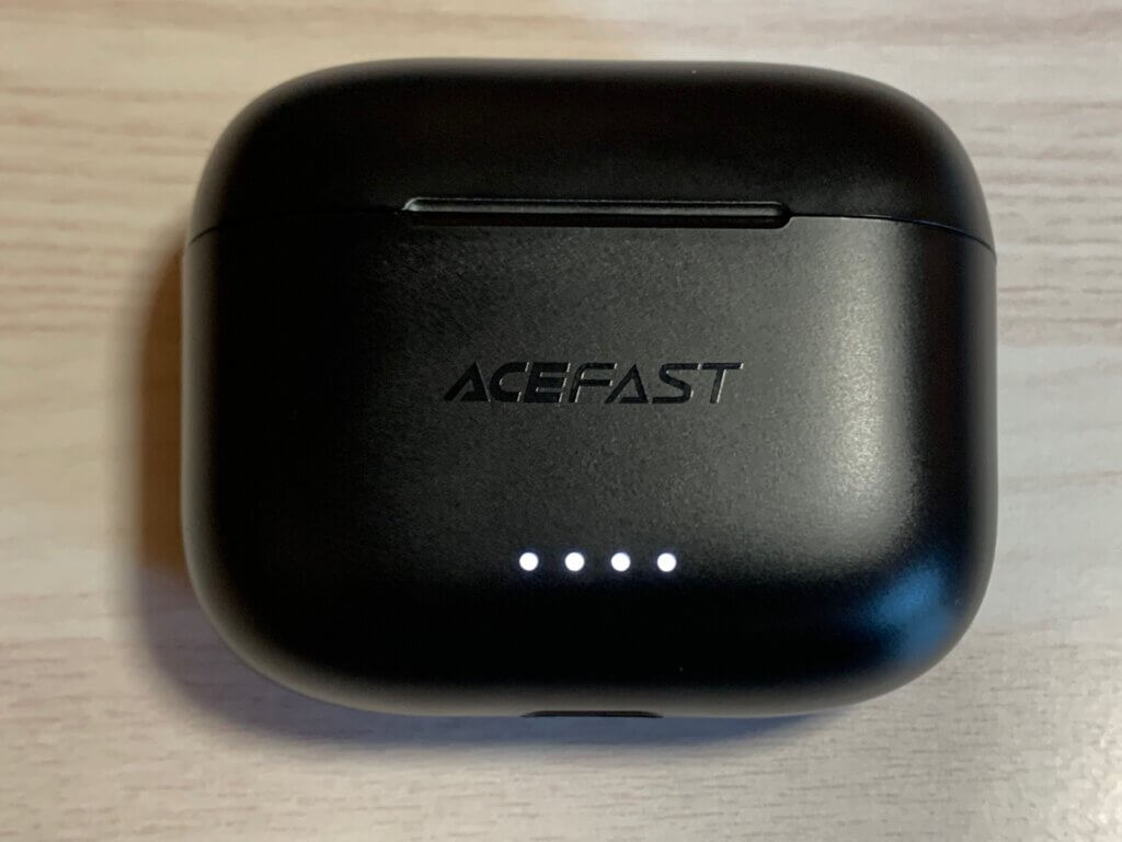 ACEFAST T1 ケースLEDインジケーター